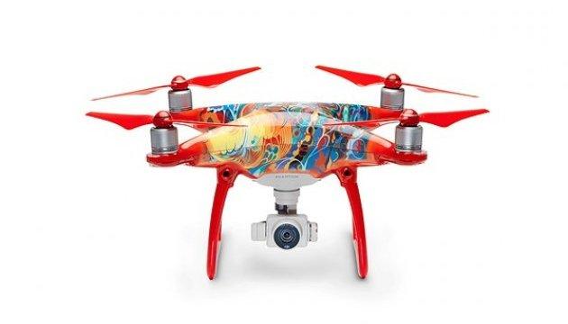 До китайського Нового року випустили дизайнерський дрон 4 Phantom