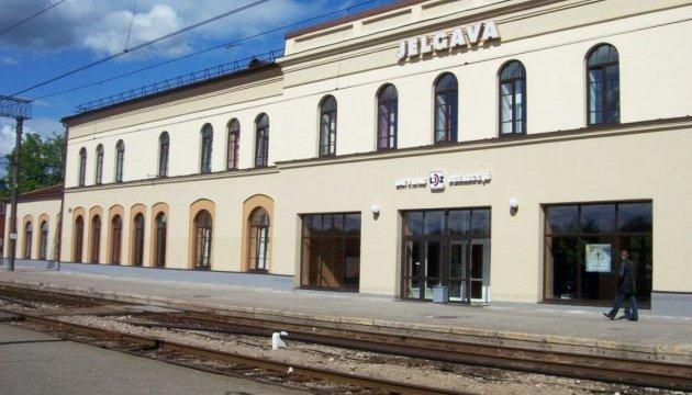 Латвійську залізницю оштрафували за написи російською мовою