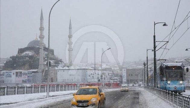 У країнах Європи сильні снігопади та морози, є жертви