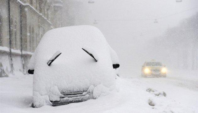 На Херсонщине спасатели вытащили из снегов 52 авто