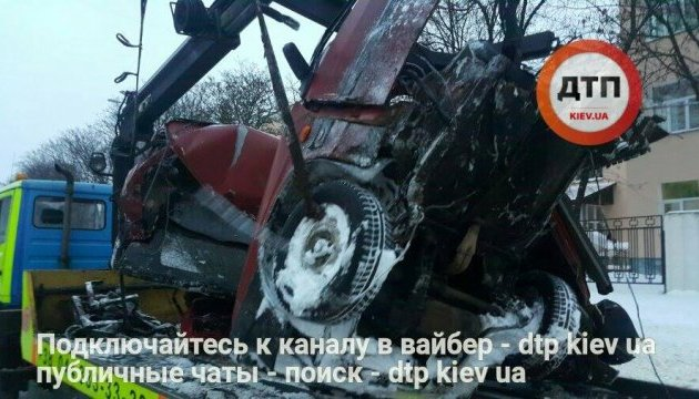 В результате ДТП в Киеве погиб водитель легковушки