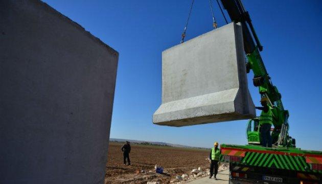 Турция хочет построить стену на границе с Ираном и Арменией - СМИ