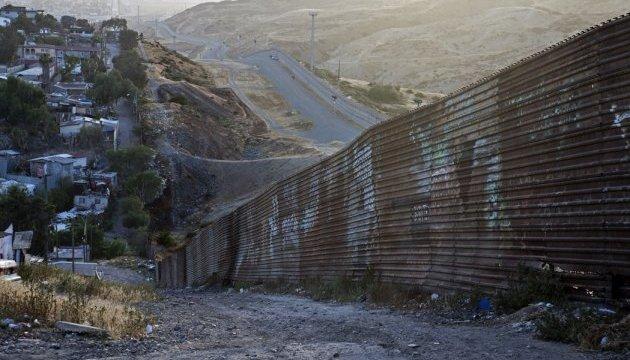 «Стіна Трампа» має бути оскаржена в ООН – лідер мексиканської опозиції