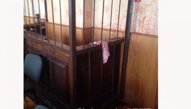 На Тернопольщине неизвестные устроили дебош в суде