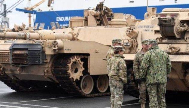 США перебрасывают танки из Польши в соседние с РФ страны Балтии