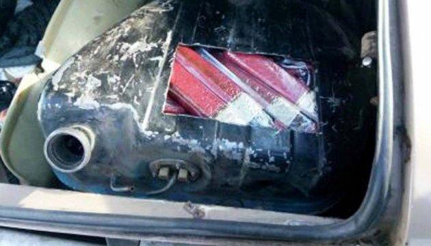 Колбаса в бензобаке: водитель ехал в оккупированный Донецк