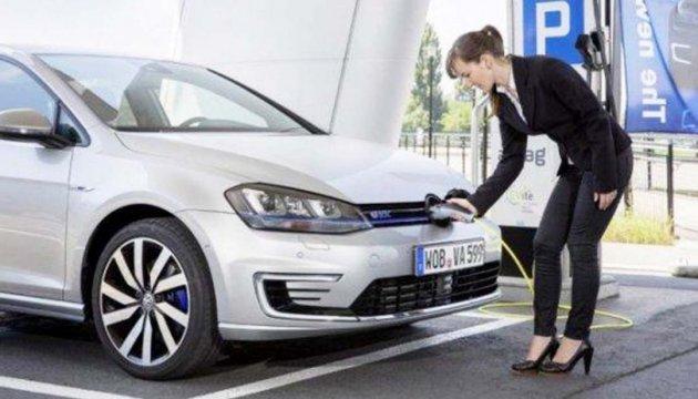 З початку року в Україні зареєстровано понад півтисячі електрокарів