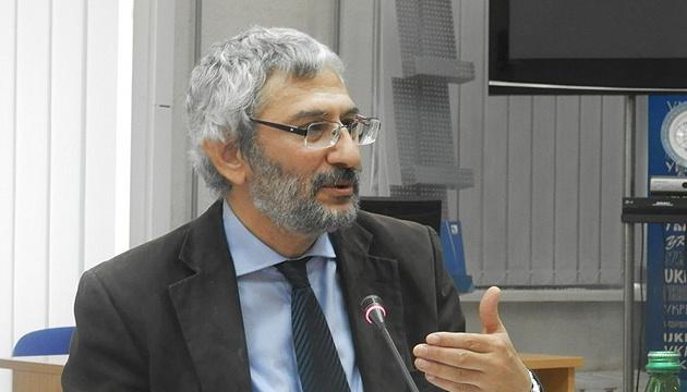Земан у питанні Криму втручається не у свої справи – словацький політолог