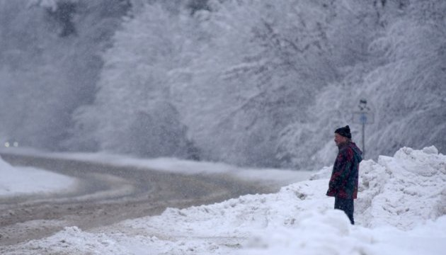 Рятувальники попереджають про обмеження руху на автошляхах України