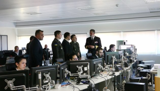 Полторак считает, что Португалия может помочь в развитии ВМС