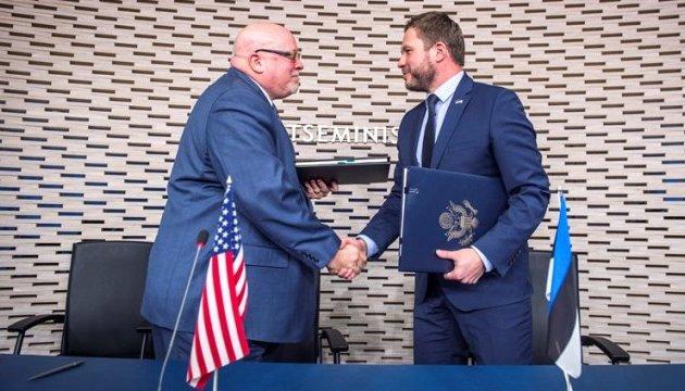 Естонія і США підписали договір про співпрацю в обороні
