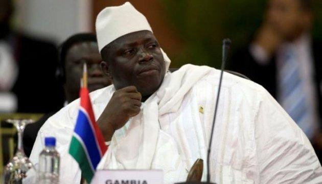 Екс-президент Гамбії залишив країну після відмови від влади - ЗМІ