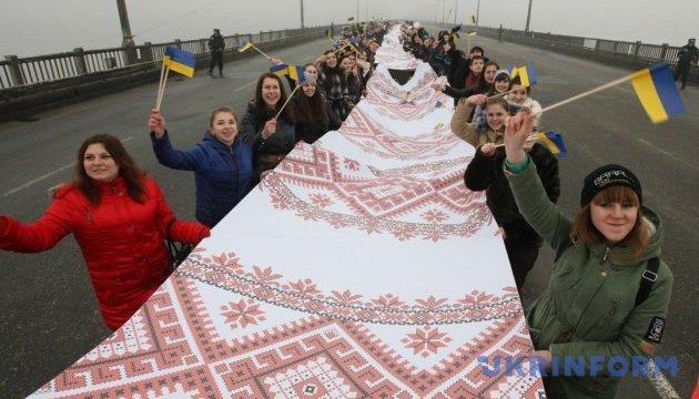 Житомирщина запрошує на фестиваль рушників, на якому відтворять весільні традиції