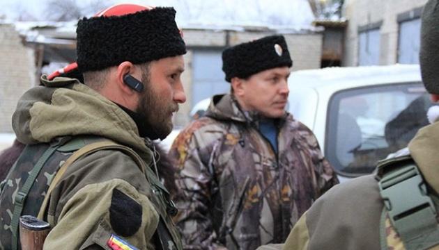 Терористи тягнуть жителів окупованого Донбасу на «військові збори»