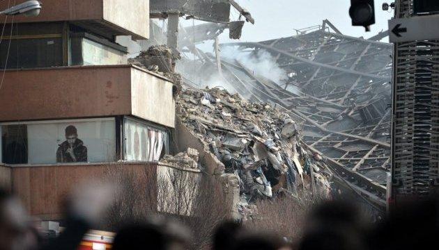 У Тегерані під час обвалу торгового центру загинули 30 пожежників