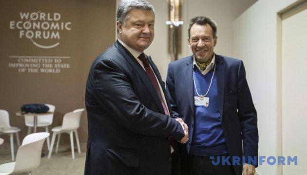 Порошенко просит президента Красного Креста содействовать в освобождении заложников