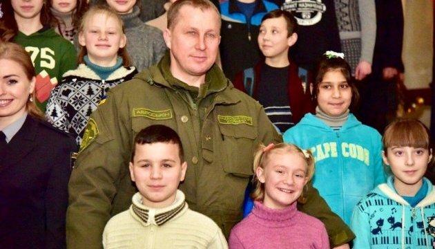На окупованій частині Донеччини перебуває майже 100 тисяч школярів