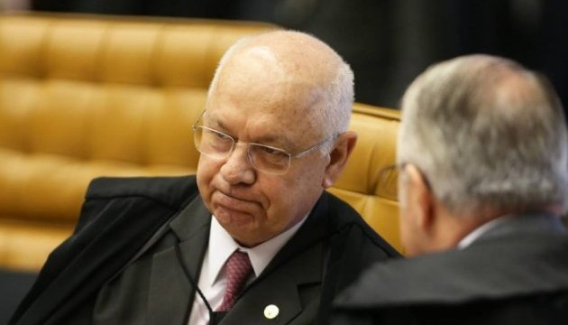 У Бразилії впав літак із суддею, який вів справи про корупцію