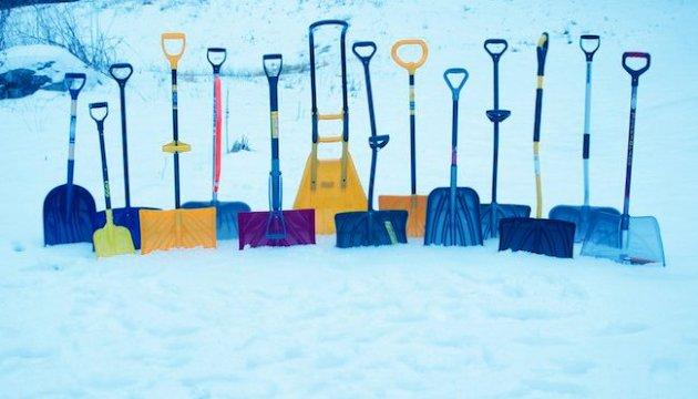 Чому не залучають до прибирання снігу зареєстрованих безробітних?