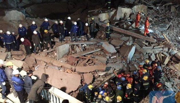 В Китае оползень уничтожил гостиницу: есть жертвы