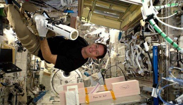 Французский астронавт поздравил Украину необычным снимком