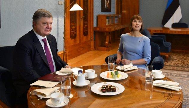 Poroschenko trifft sich mit Präsidentin von Estland