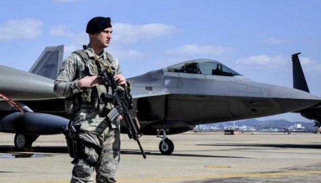 В США из-за стрельбы закрыли авиабазу