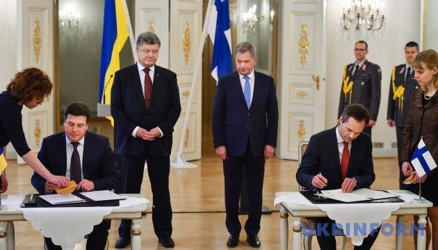 Порошенко не видит оснований для отмены санкций США против России