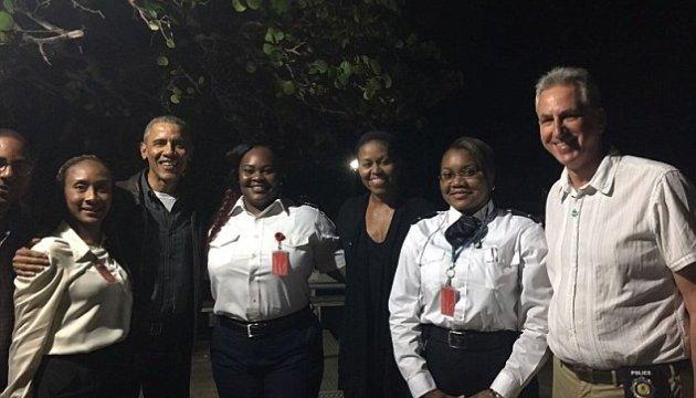 Обама с женой приехали на курорт миллиардера Бренсона
