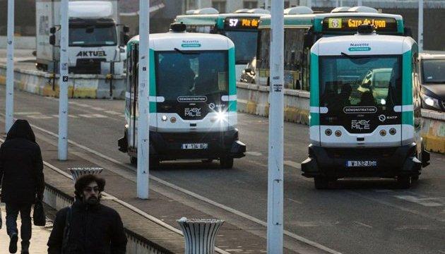 В Париже запустили первые беспилотные автобусы