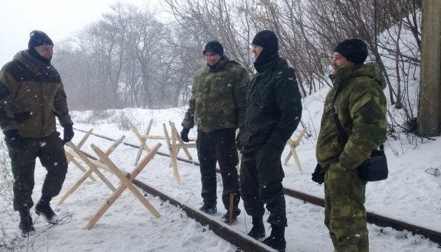 Блокировщики оккупированного Донбасса перекрыли железную дорогу возле Бахмута