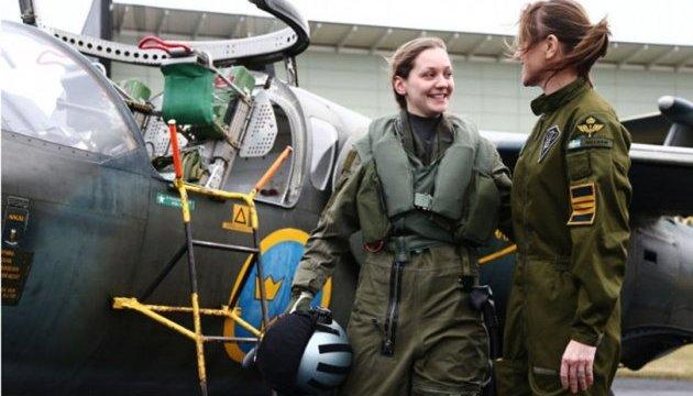 22-річна Ловіса Санделін стала бойовим пілотом у Швеції
