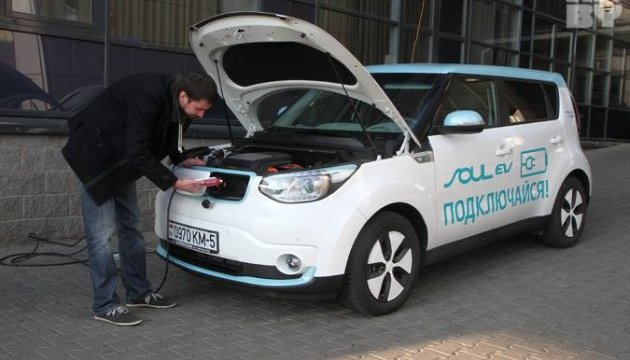 Белорусы к лету выпустят первый электромобиль