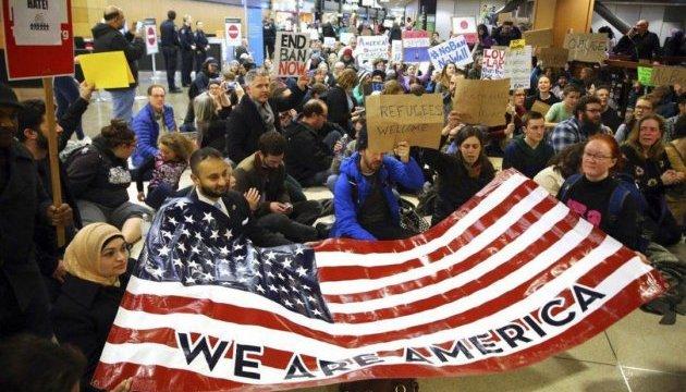 Америку охватили многотысячные акции протестов
