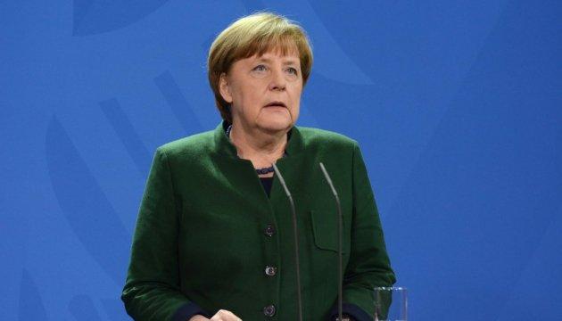 Merkel urges Putin to influence separatists in Donbas
