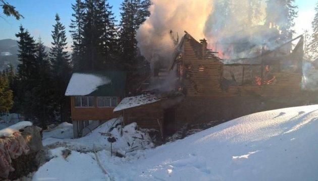 На Драгобраті згорів готель