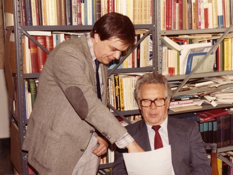 Джеймс Мейс (зліва)