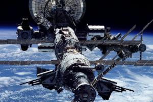 Мікробів на борту МКС вбиватимуть ультрафіолетом