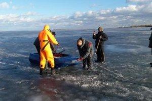 ГСЧС предупреждает об опасности тонкого льда