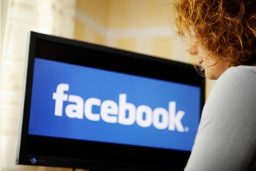 Facebook зупинив роботу з аналітиками, яких пов'язують з Росією