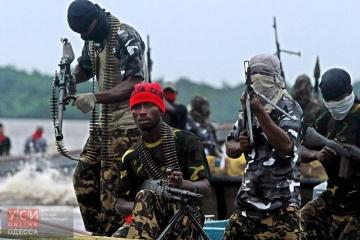 Piratas nigerianos toman como rehenes a marineros ucranianos
