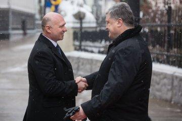 Порошенко зустрівся з прем'єром Молдови