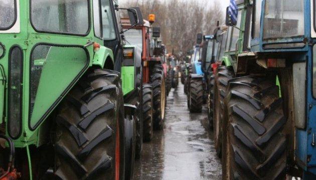 В центре Салоников снова протестуют фермеры: пригнали десятки тракторов
