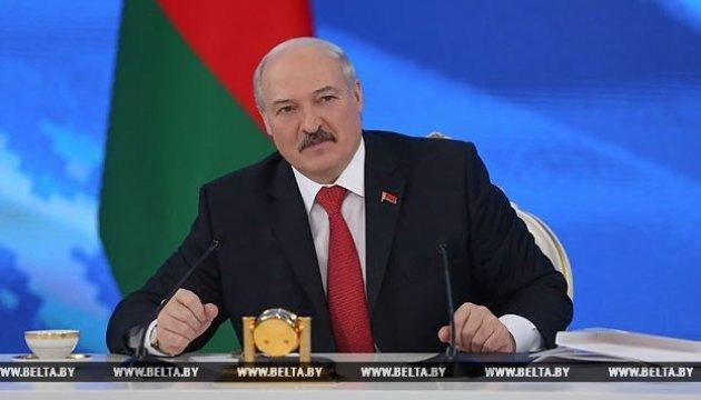Лукашенко о конфликте с РФ: Никто к нам войска не приведет, никакой войны не будет