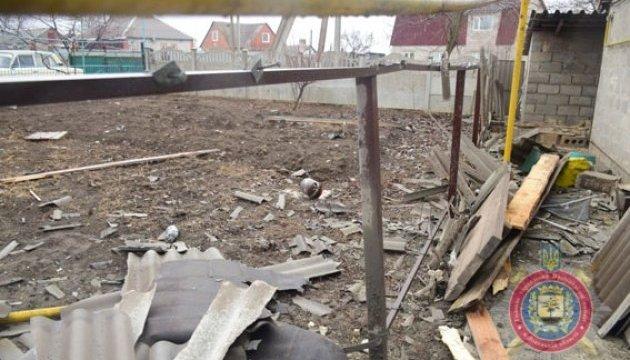 Обстрел Сартаны: повреждены 30 домов, часть поселка - без света