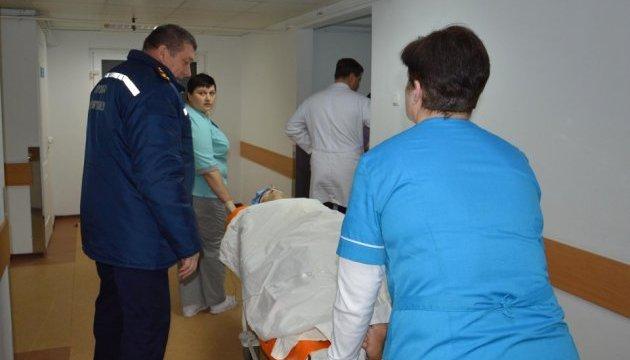 Раненого в Авдеевке спасателя прооперировали