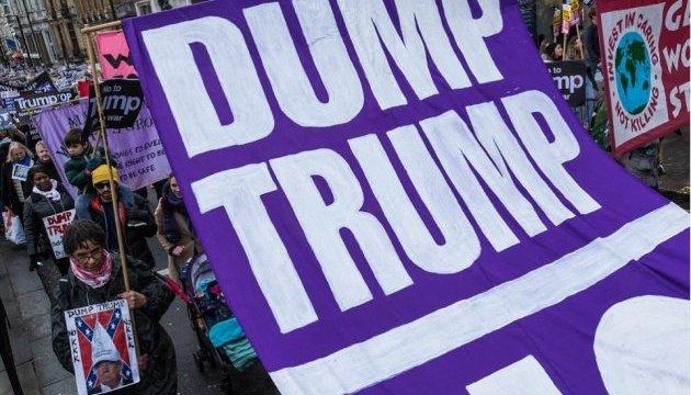 Многотысячный марш в Лондоне призвал отменить визит Трампа