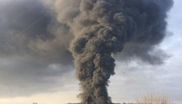 У центральній Англії спалахнула пожежа в центрі для переробки відходів