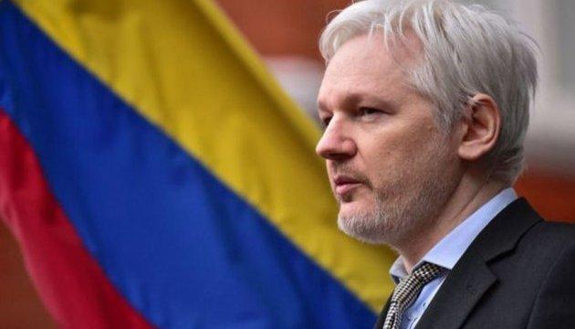 Еквадор позбавив Ассанжа засобів зв'язку із зовнішнім світом
