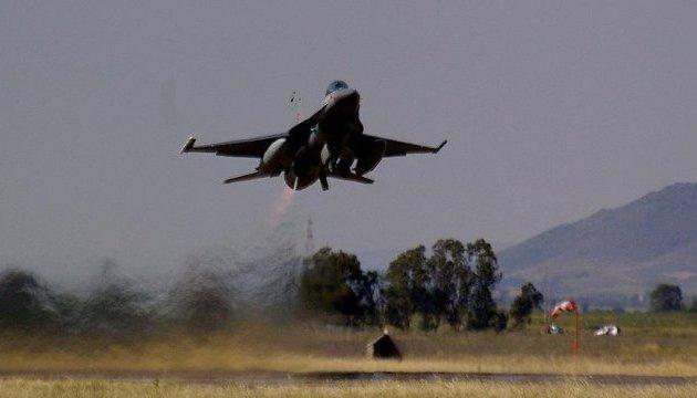 Щит Евфрата: Анкара нанесла удары по 256 объектам ИГИЛ